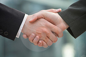 shake-hands-thumb714165