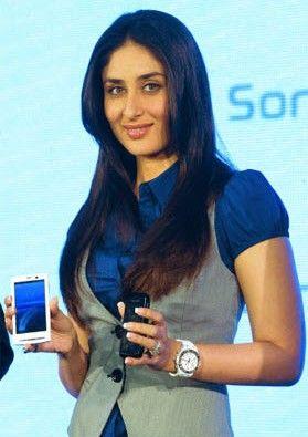 Kareena-Kapoor-sony-ericsson-XPERIA-Vivaz