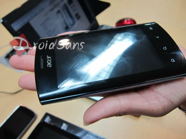 Another Pic of Acer Liquid Metal, some other Smartphone Pics