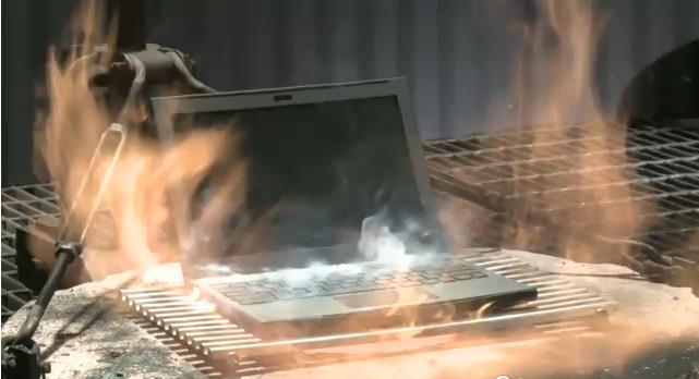 google-destroys-25-netbooks