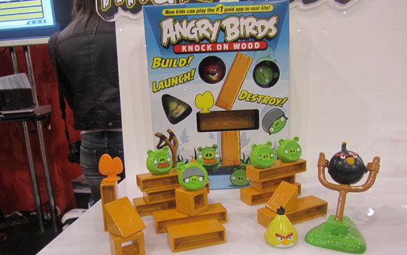 angry-birds-knock-on-wood