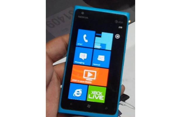 Nokia-910_1