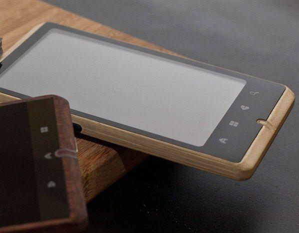 bamboo-smartphone-1