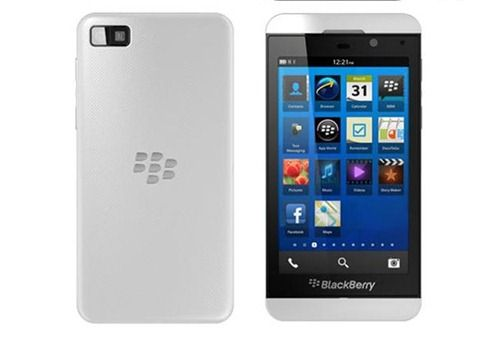 white-blackberry-z10