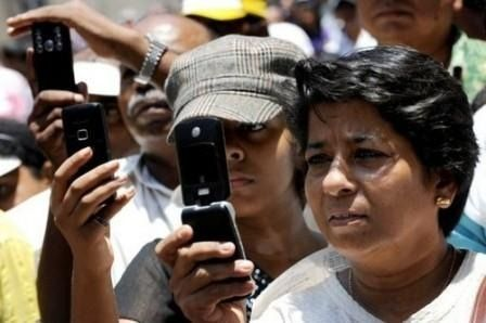 indians-user-more-internet-in-phones