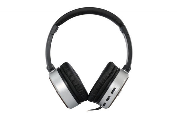 vox-aphn-ac-30-review-headphones-front-800x600