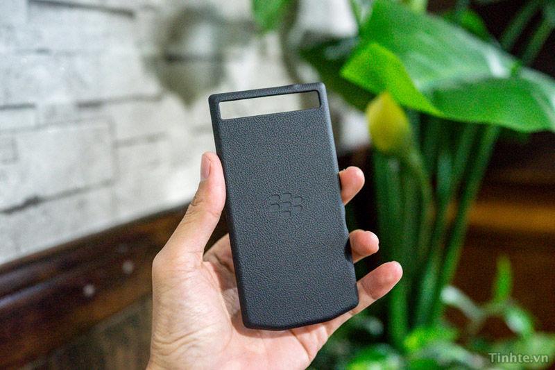 BlackBerry Z10 Porche Back