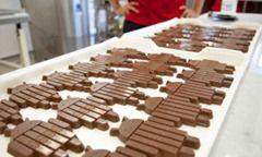 Android shaped KitKat bars