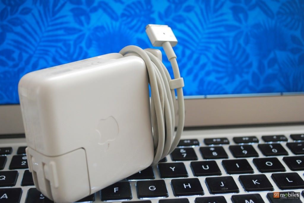 Macbook air charger (Watermarked)