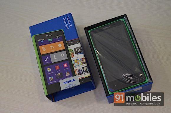 Nokia-X-Unboxing2