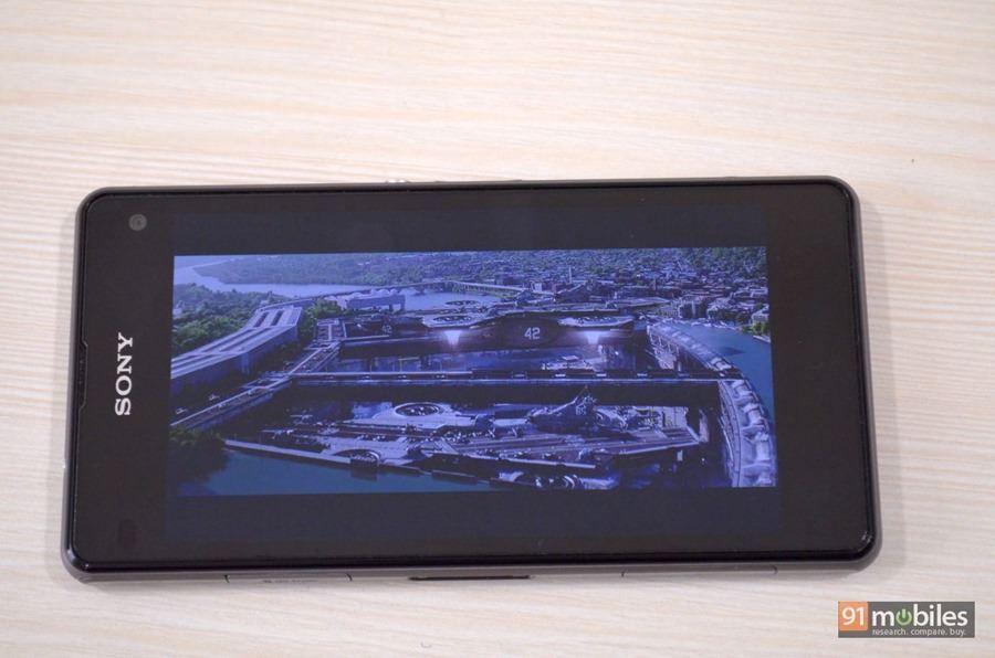 Sony Xperia Z1 Compact 045