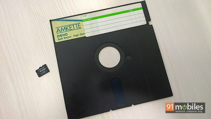 Floppy-vs-microSD
