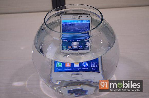 Samsung Galaxy S5 waterproof test