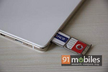 Oppo R1 dual-SIM slots