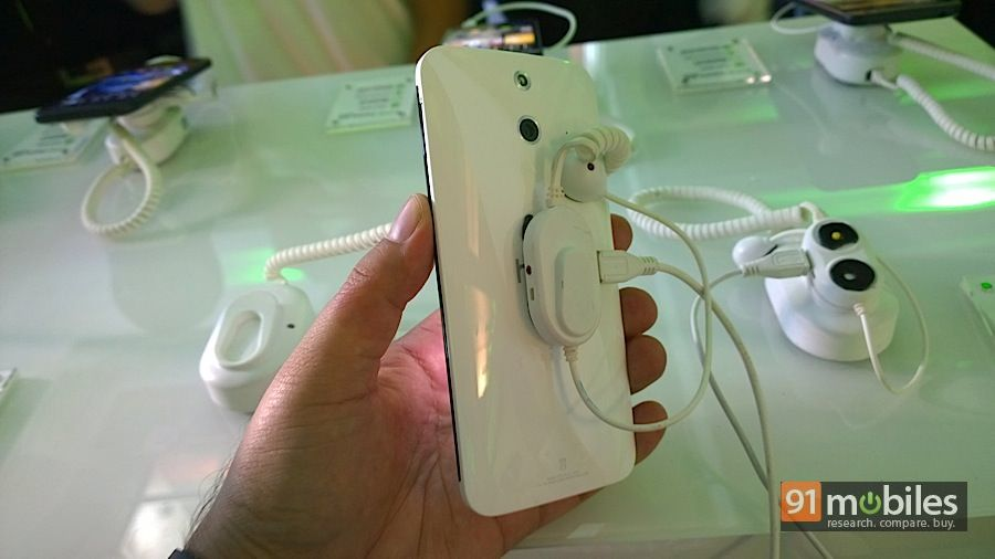 HTC-One-E8-6