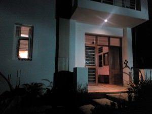 Philips W6610_camera sample_night shot