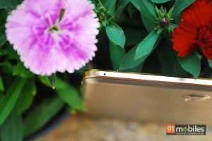 Samsung Galaxy Tab S_top
