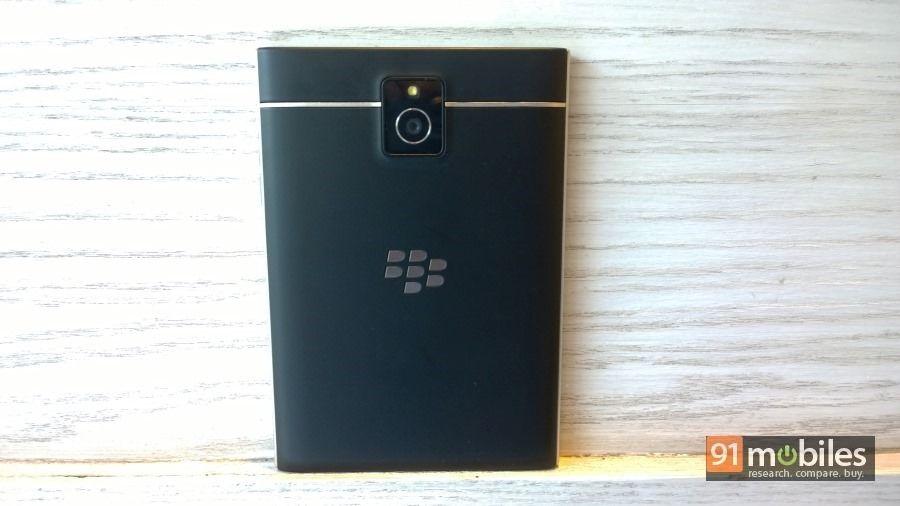BlackBerry-Passport-06