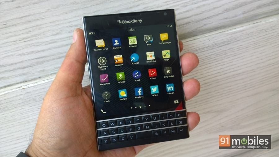 BlackBerry-Passport-09