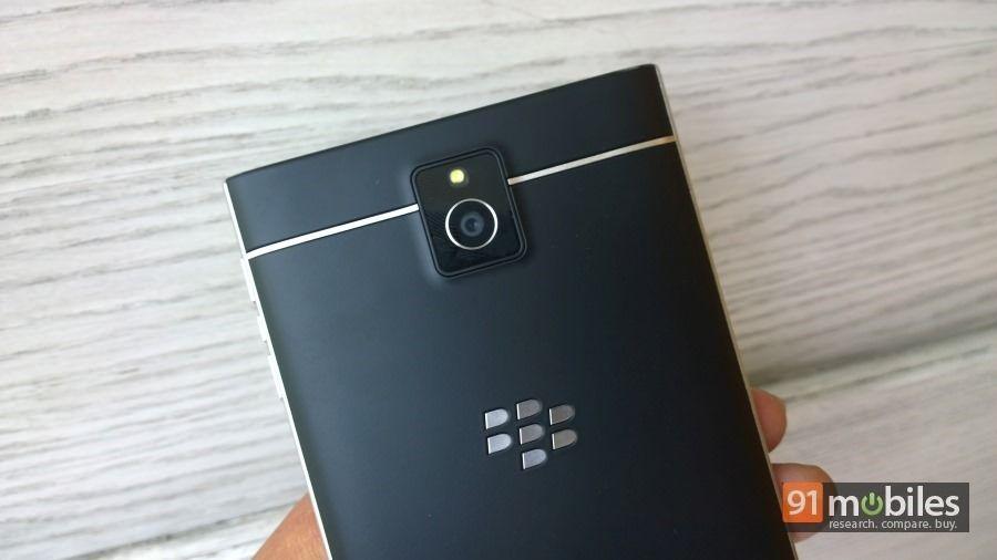 BlackBerry-Passport-26