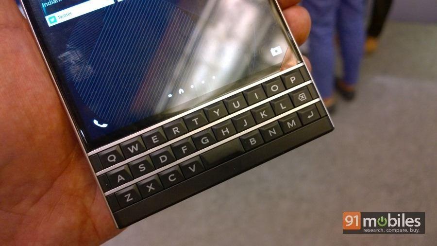 BlackBerry-Passport-32