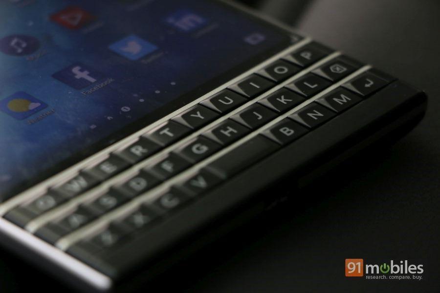 BlackBerry-Passport-13