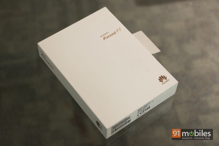 Huawei Ascend P7 unboxing 01