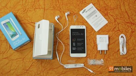 Samsung Galaxy A3 and A5 unboxing 01