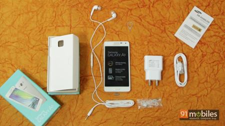 Samsung Galaxy A3 and A5 unboxing 04