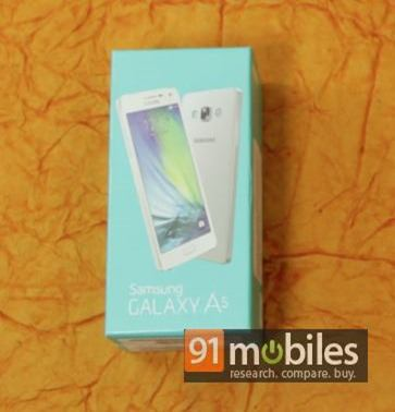 Samsung Galaxy A3 and A5 unboxing 06