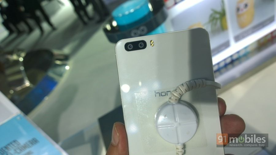 Honor-6-Plus-003