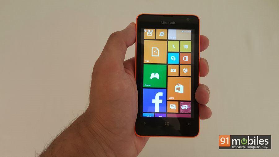 Microsoft Lumia 430 quick look 02