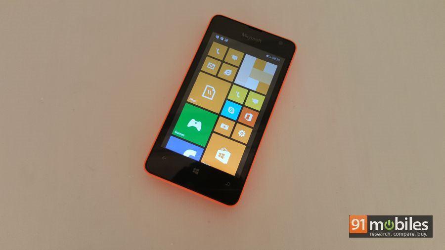 Microsoft Lumia 430 quick look 03