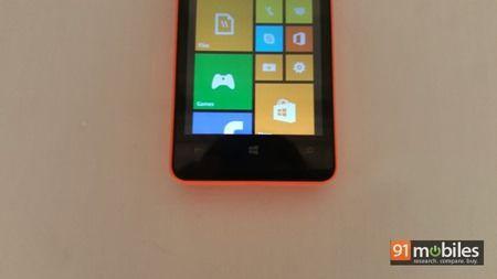 Microsoft Lumia 430 quick look 05