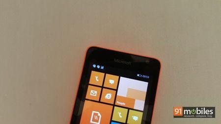 Microsoft Lumia 430 quick look 06