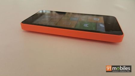 Microsoft Lumia 430 quick look 09