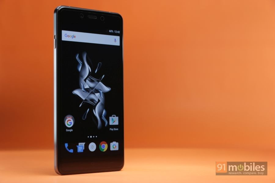 OnePlus X (Rs 16,999, Onyx variant)