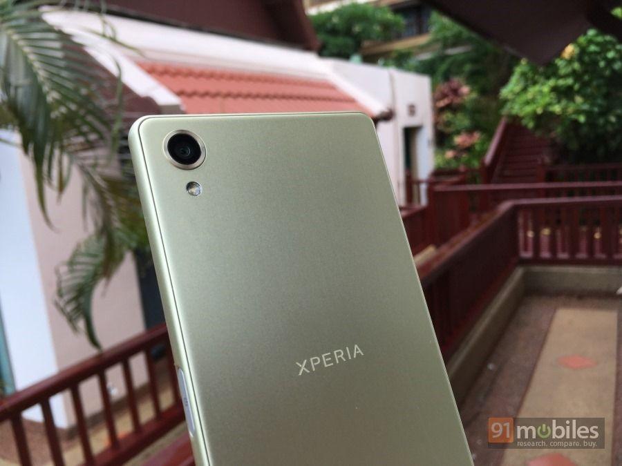 Sony-Xperia-X-00