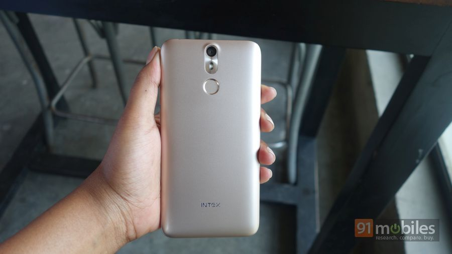 Intex-Aqua-S7-First-Impressions03