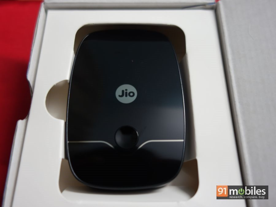 Reliance JioFi 2 unboxing and first impressions - 91mobiles 07