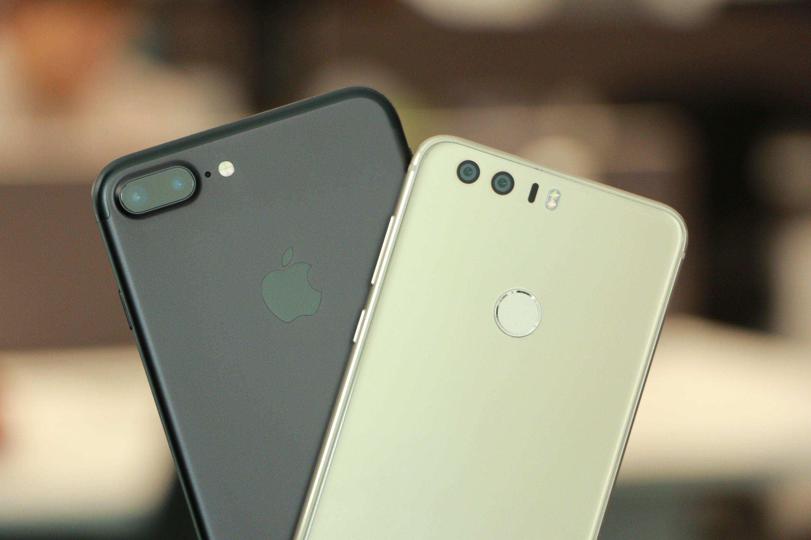 honor_8_vs_iphone_7_plus_featured