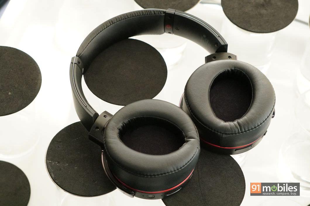 Sony MDR-XB950B1 Review 04