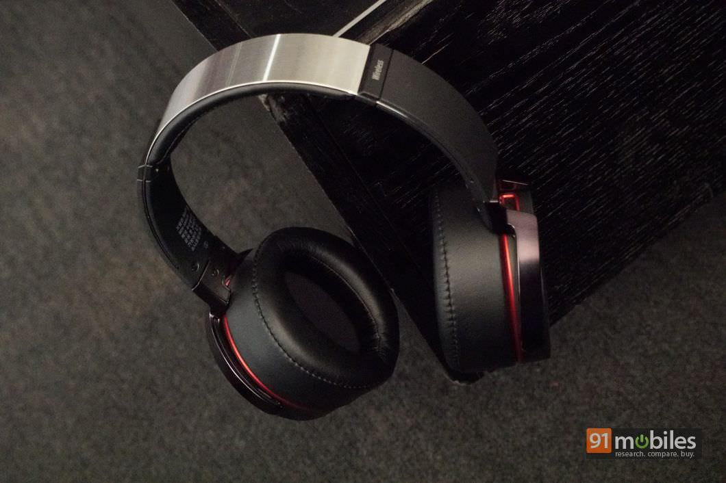 Sony MDR-XB950B1 Review 05