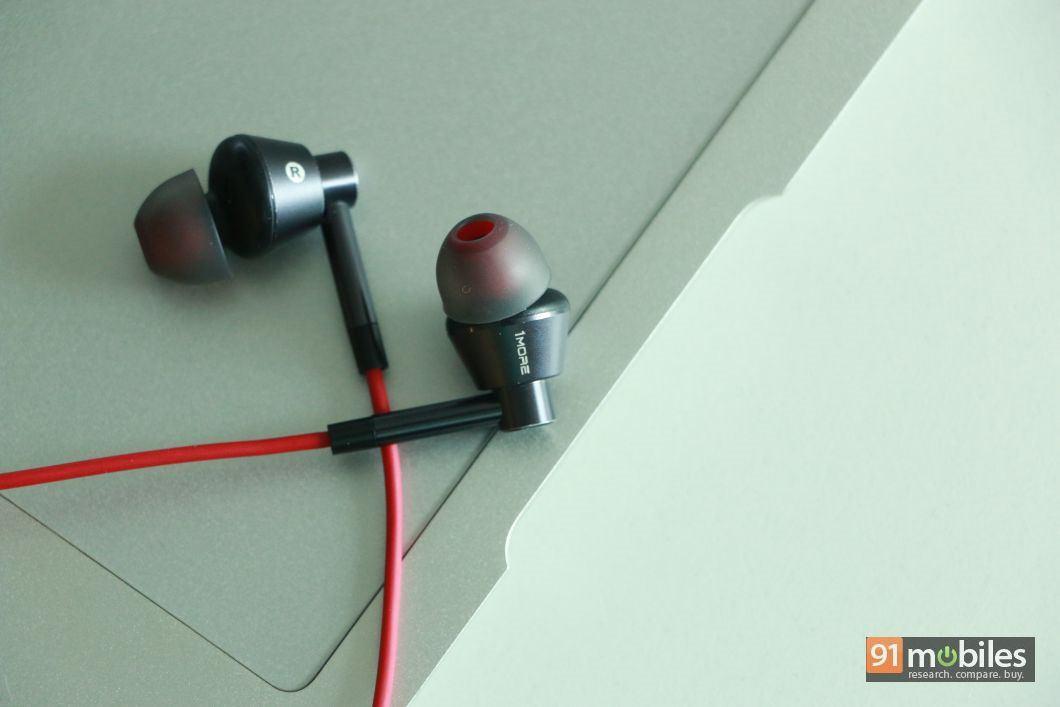 1more single driver 1M301 earphones 03