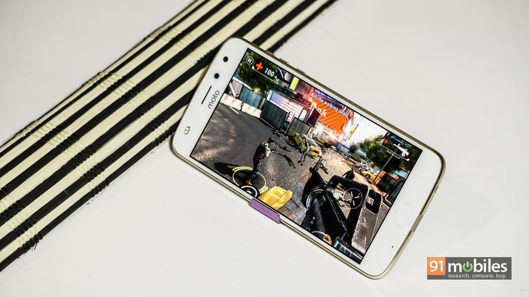 Moto Z2 Play review 05