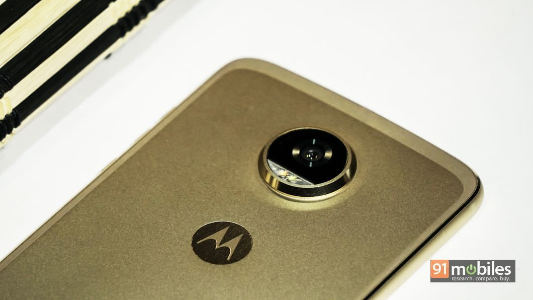 Moto Z2 Play review 13