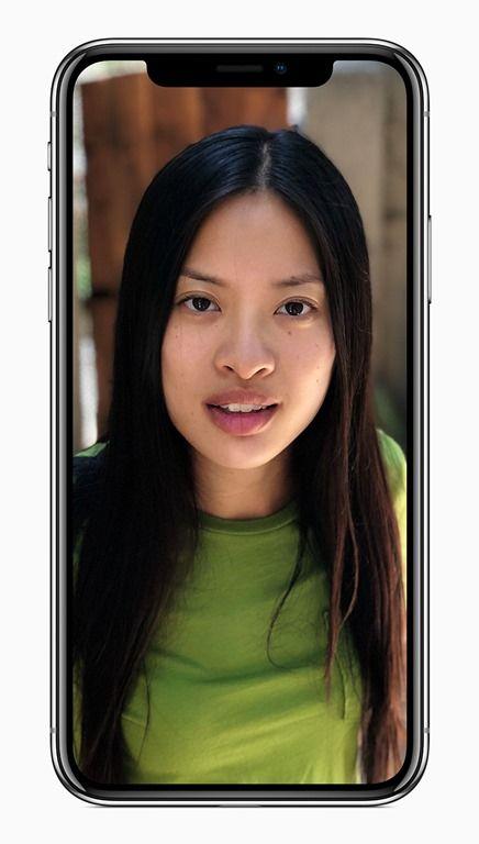 Apple iPhone X Portrait Light mode