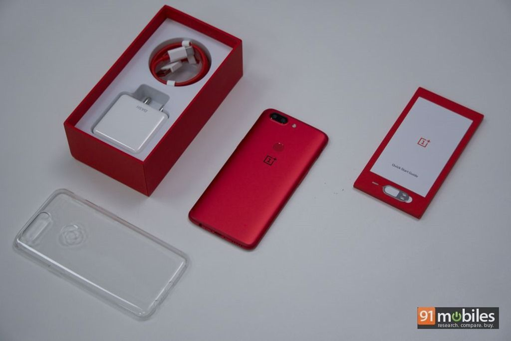 OnePlus-5T-Lava-Red-In-Pictures-02.jpg