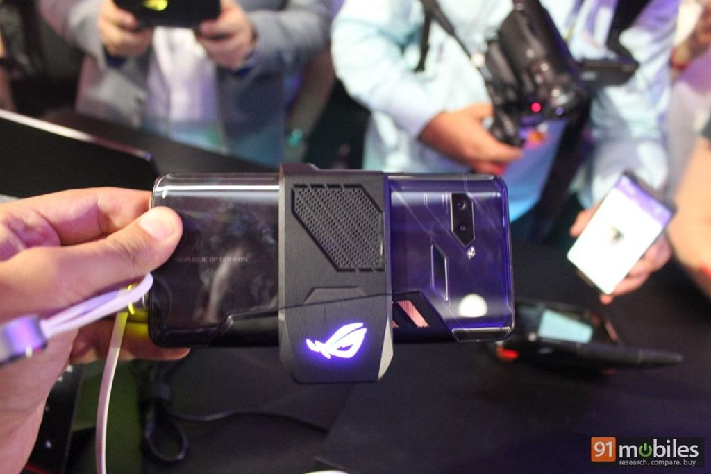 ASUS-ROG-Phone-first-impressions-91mobiles-034.jpg