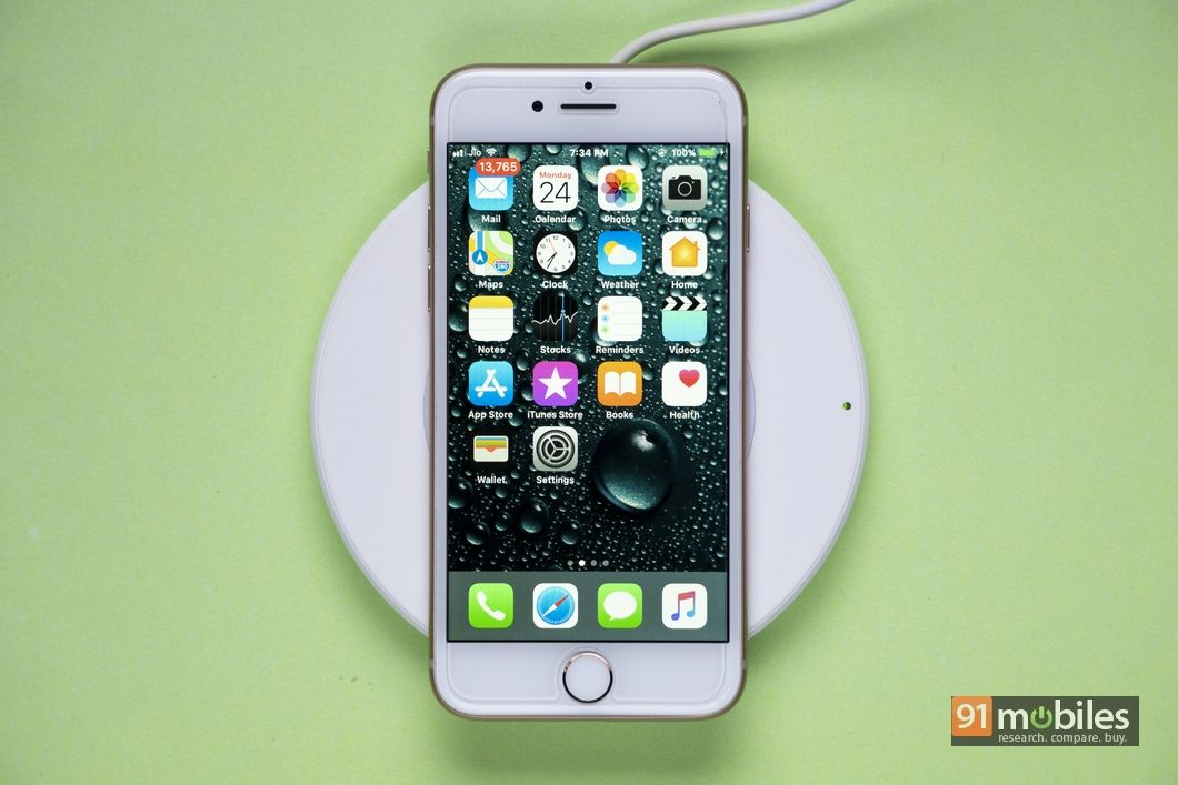 Belkin Boost Up Wireless Charging Pad Review 01